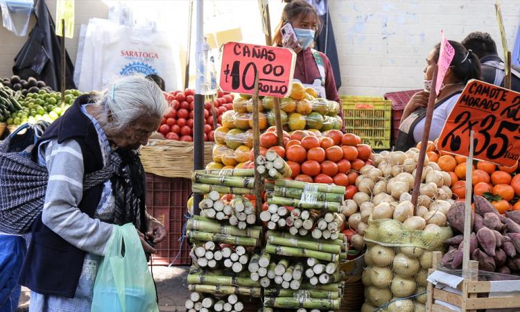 México suma más de 12 mil nuevos casos de covid-19