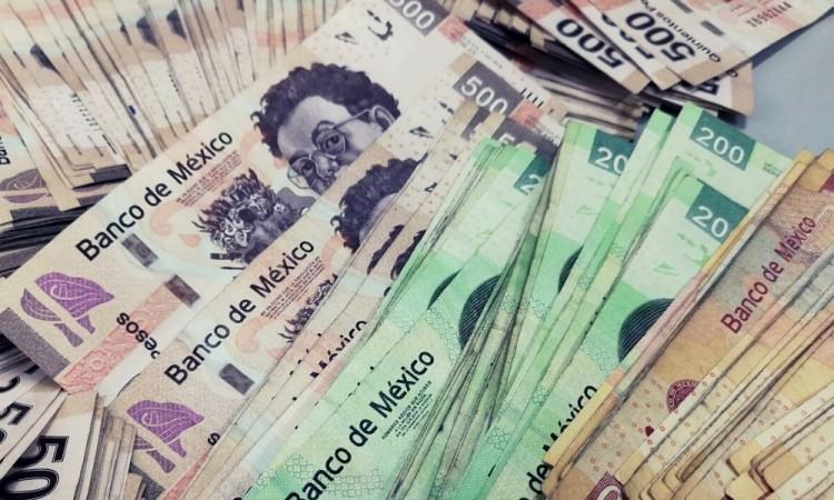 La moneda mexicana se apreció un 0.45 por ciento frente a la estadounidense.