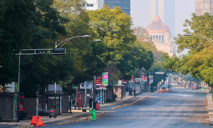 Ciudad de México vive una Navidad cerrada y rebasada de contagios