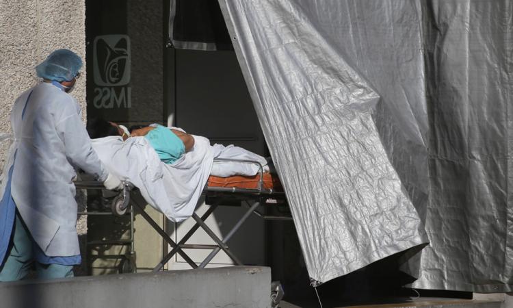 México llega a Navidad con 1.372.243 contagios y 121.837 muertos por covid-19