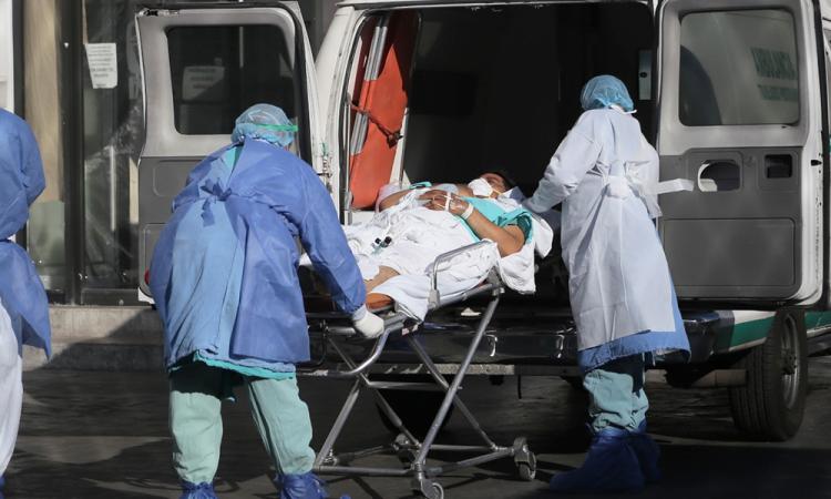 México suma 4.974 contagios y 189 decesos nuevos de covid-19