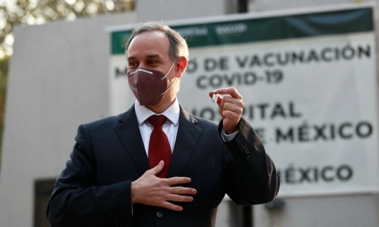 Visita López-Gatell Argentina para evaluar compra de vacuna rusa