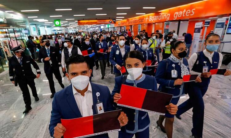 Trabajadores de Interjet inician huelga por falta de pagos