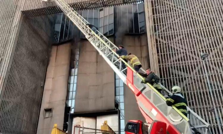 Un muerto y 30 intoxicados fue el saldo que dejo del incendio en instalaciones del Metro en CDMX
