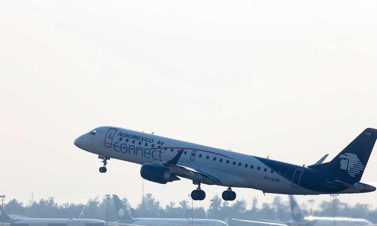 Aeroméxico despedirá a 374 sobrecargos tras caída en pasajeros