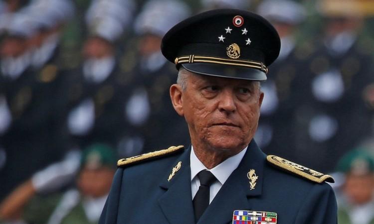 SRE hizo público el expediente de Salvador Cienfuegos