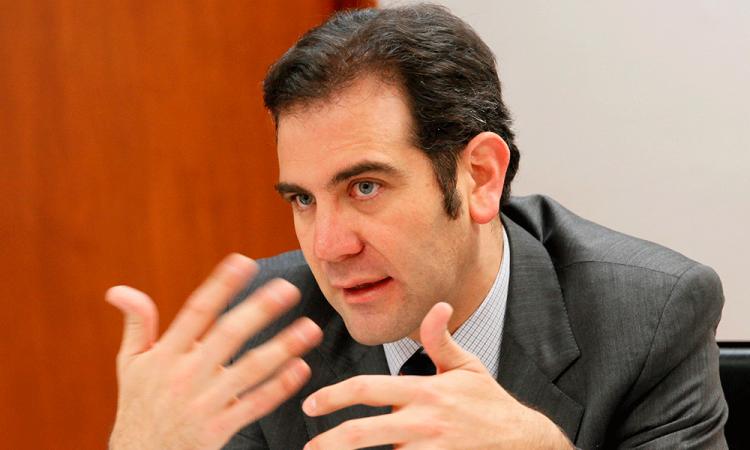 INE ordena al presidente evitar hablar de elecciones