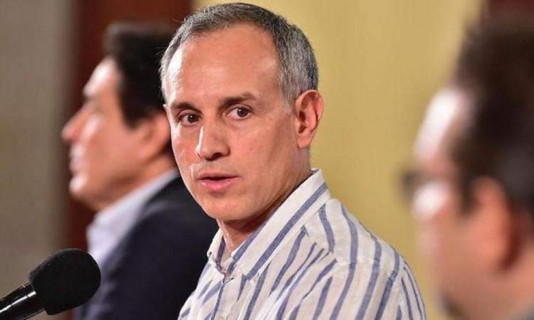 """López-Gatell pidió denunciar a personas que """"se salten la fila"""" para la vacuna"""