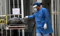 México sube al tercer lugar por muertos de covid con la pandemia sin control