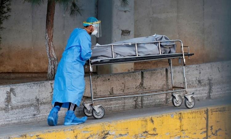 Van más de 158 mil mexicanos muertos y los 1.85 millones contagiados por coronavirus