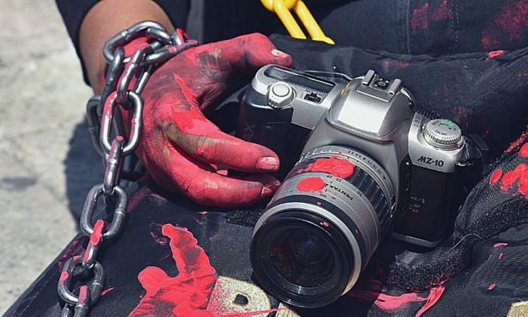 Violencia, peor contra defensores de derechos humanos y periodistas por Covid-19