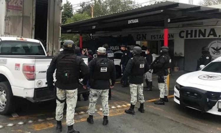 Guardia Nacional 'rescata' a 108 migrantes hacinados en un camión
