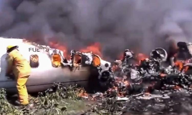 AMLO lamenta muerte de militares tras accidente aéreo en Veracruz