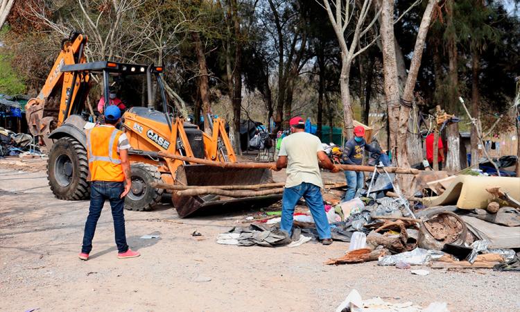 Desmantelan campamento en México pero migrantes llegan para cruzar a EU