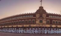 Muro de memoria: El metal no detiene a las voces que claman justicia