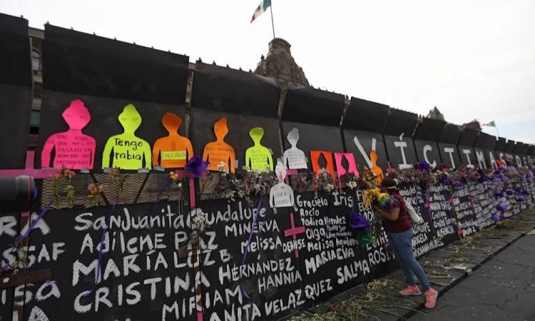 Miles de mexicanas envían una carta de reclamo a López Obrador por el 8M