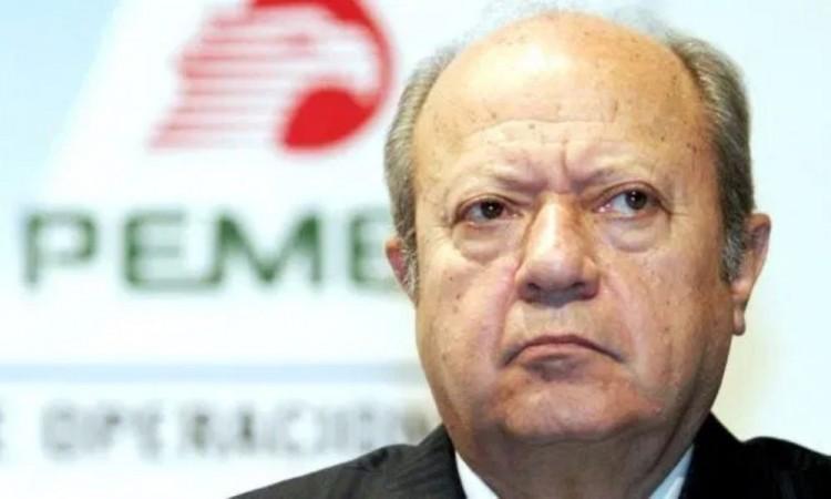 Renuncia Romero Deschamps como trabajador activo de Pemex; era inmoral: AMLO