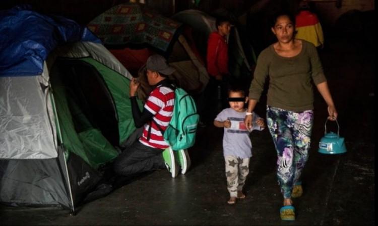 México detiene a 95 migrantes que llegaron a Monterrey en un avión