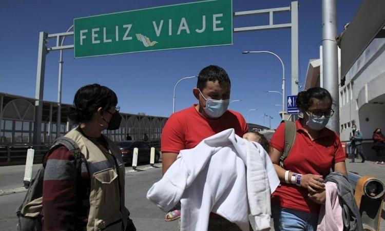 Migrantes centroamericanos malviven sin esperanza en la frontera de México