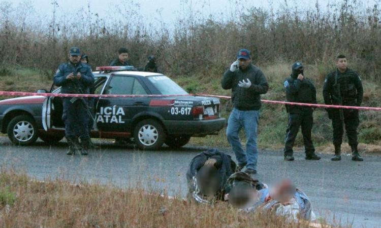 Decapitan a ocho presuntos sicarios en Michoacán