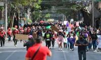 ¡Victoria no murió, la policía la mató! Feministas marchan en Ciudad de México para pedir justicia por los feminicidios de Quintana Roo