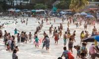 Pese a advertencia de nueva ola, Acapulco termina abarrotado en Semana Santa