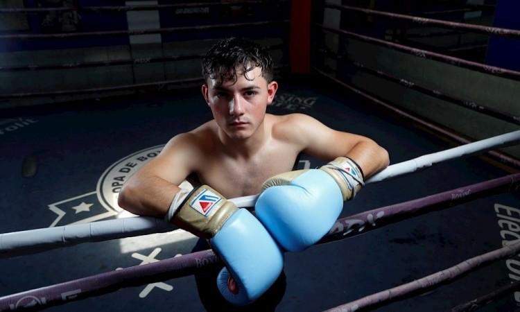 El sobrino del Canelo Álvarez debutará en el boxeo profesional en junio