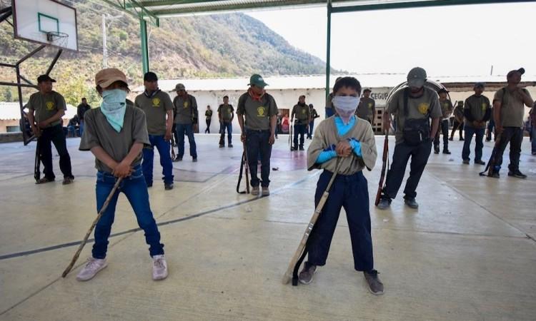 Integran a 30 niños de entre 6 y 11 años a policía comunitaria en en la Montaña Baja de Guerrero
