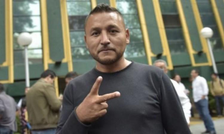 """Recupera """"el Mijis"""" candidatura; acredita su origen indígena"""