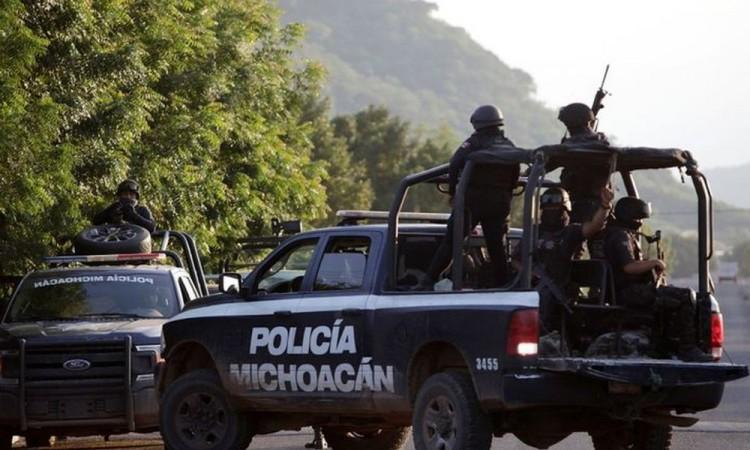 Sicarios atacan a policías en Michoacán, con supuesto dron explosivo