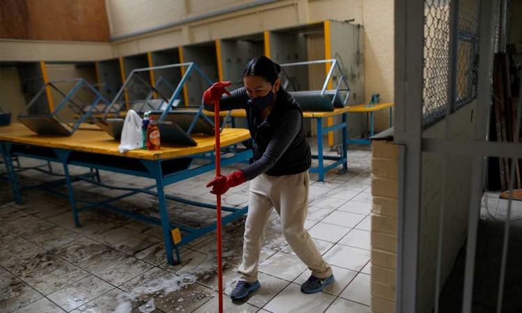Avanzan contra tiempo para dar mantenimiento a escuelas de México previo regreso a clases