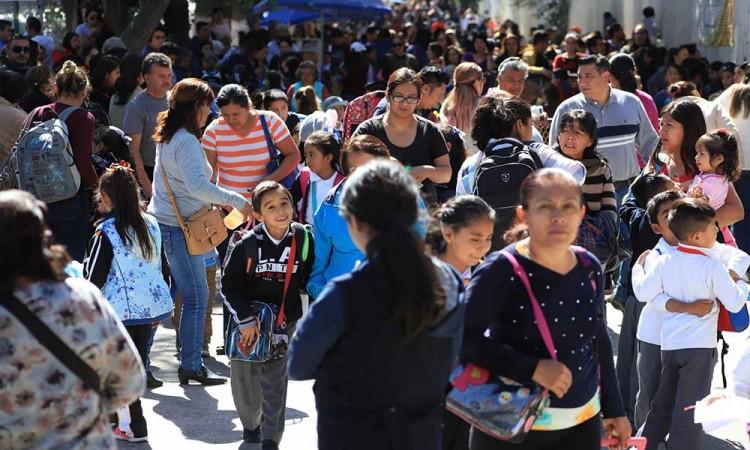 Gobierno de México y SNTE pactan regreso voluntario a clases presenciales