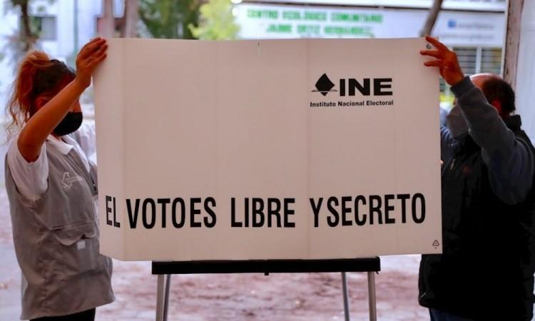 Abren colegios electorales en comicios más grandes de la historia de México