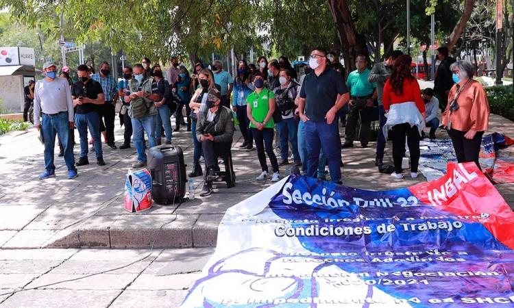Trabajadores exigen prestaciones a autoridades de cultura en Ciudad de México