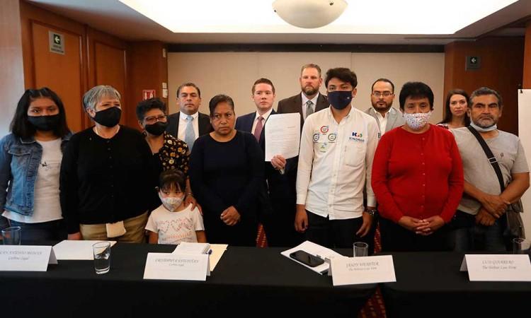Tras un mes del accidente de la línea 12 en CDMX, víctimas buscan justicia en EU