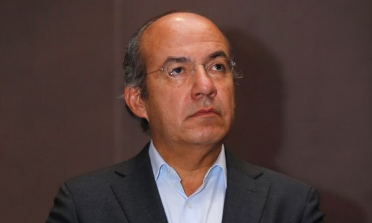 """Tunden en redes a Felipe Calderón por mensaje donde lamentó la muerte de """"Champ"""", el perro de Joe Biden"""