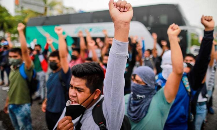 Exigen en Acapulco que encuentren vivos a estudiantes desaparecidos en 2014