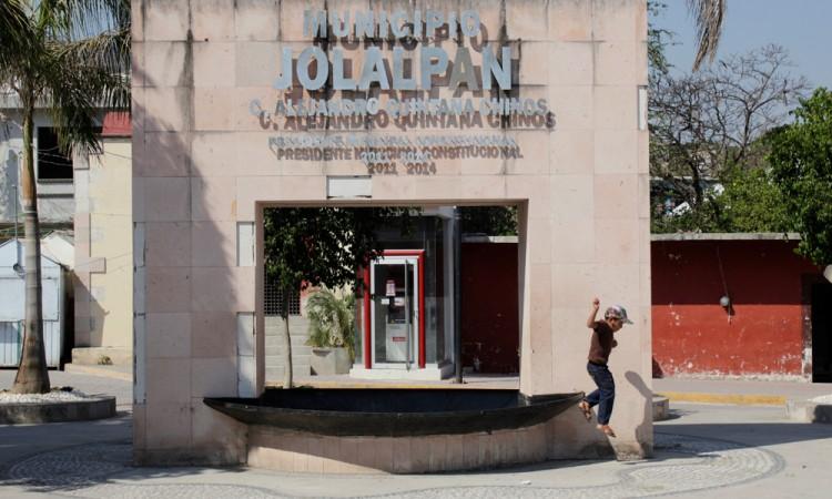 Conflicto político sume a Jolalpan en el abandono