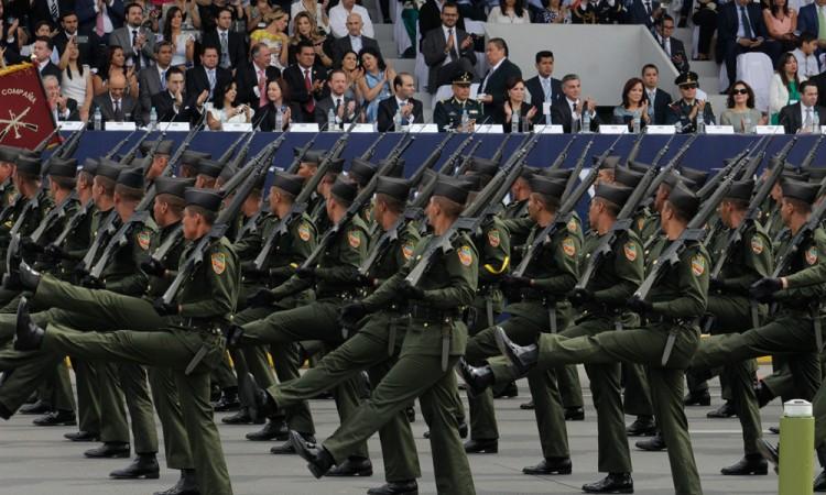 Recuerda desfile del 5 de Mayo combate a huachicoleros