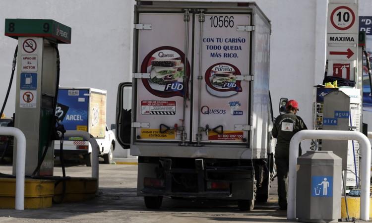 Baja 30 por ciento ventas de aditamento para gasolineras por huachicol