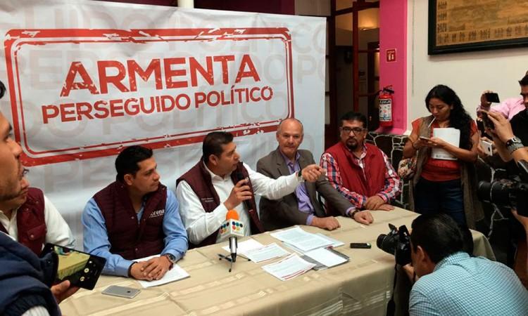Alejandro Armenta denuncia persecución política ante Fepade