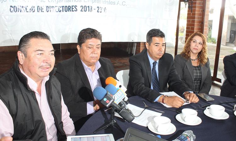 """""""Más ataques contra AMLO que propuestas"""", empresarios"""