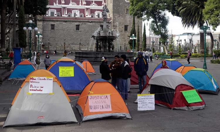 Instalan campamento en el Zócalo