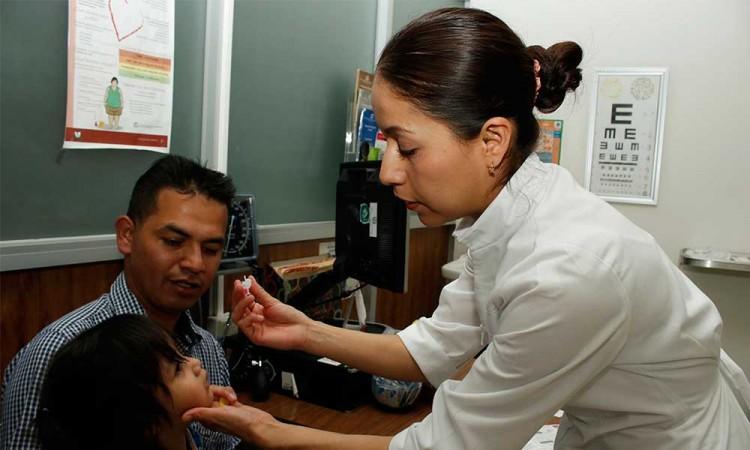 Pesa irregularidad en la distribución de vacunas en Puebla