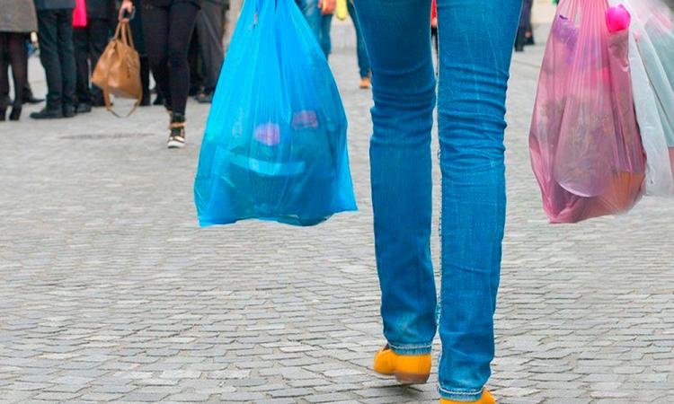 ¿Cómo me afecta que estén prohibidos los plásticos en comercios?