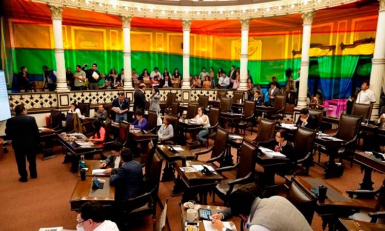 Se acatará resolución para las bodas gay: Biestro