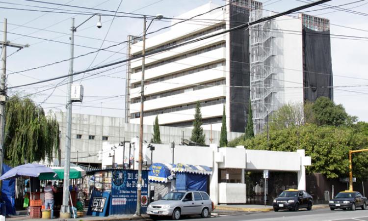 Puebla tira 427 mdp en hospital inservible