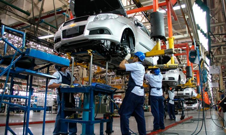 """Arremete Coparmex contra municipios por impuestos """"voraces"""" a automotrices"""