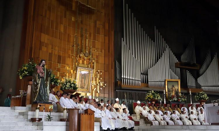 Peregrinos poblanos llegan a la Basílica