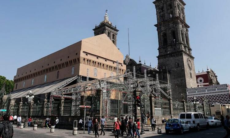 Seguro tendría que reparar desperfectos por Capilla Sixtina, advierte arzobispo